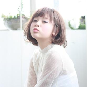 【丸顔さん向け 柔らかいボブスタイル】